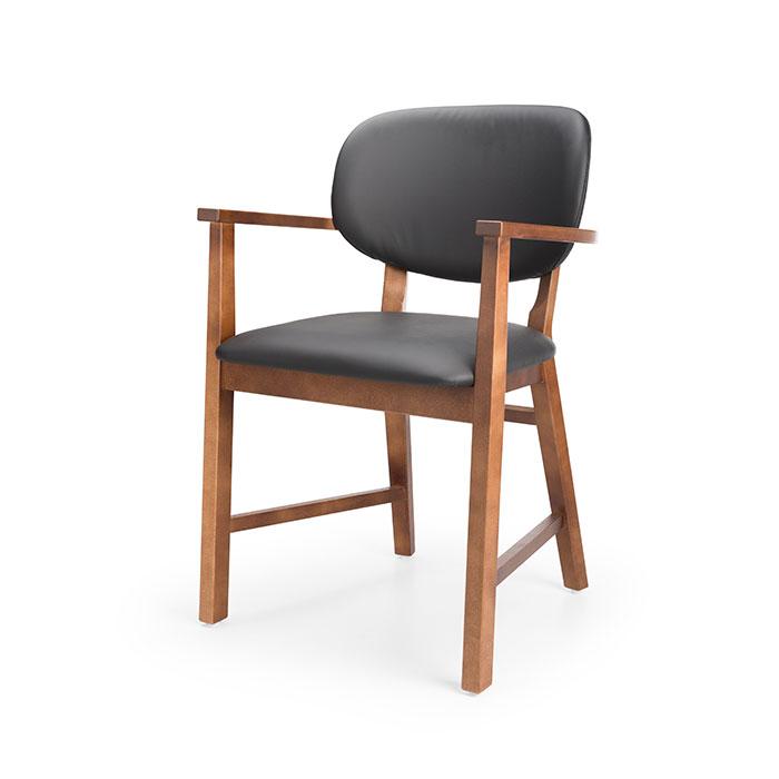 sara-tuoli-pahkina